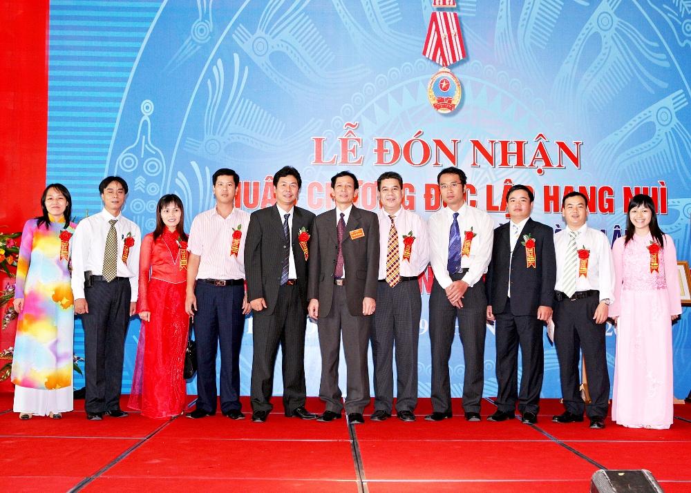 Ban lãnh đạo Công ty VINAINCOMEX.JSC